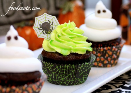 0b73d-ghoulishly-glowing-cupcakes-2