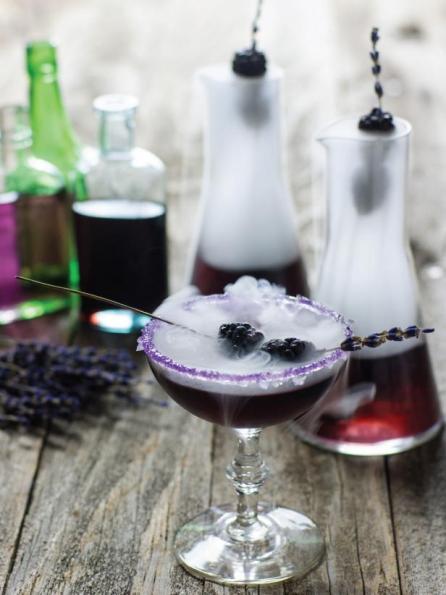 original_Sam-Henderson-Halloween-mr-hyde-cocktail-beauty_002_v.jpg.rend.hgtvcom.616.822