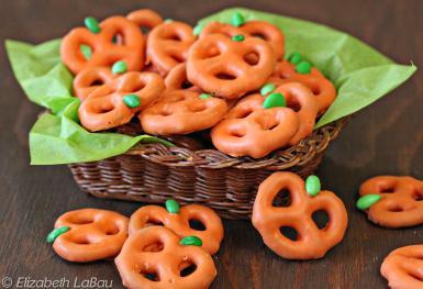 pretzel-pumpkins