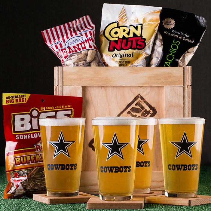 nfl_football_fan_glasses_and_snack_mens_giftset__96791.1437002883.702.702